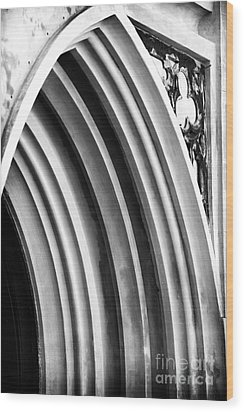 Arches At Huguenot Wood Print by John Rizzuto