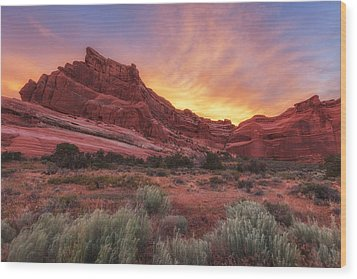 Arches Fire In The Sky Wood Print by Darren  White