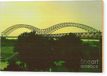 Arches Towards Little Rock And Memphis Wood Print by Michael Hoard
