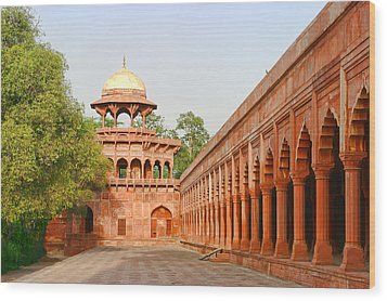 Architecture At Taj Mahal Complex Wood Print