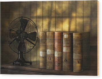 Archives Wood Print by Susan Candelario