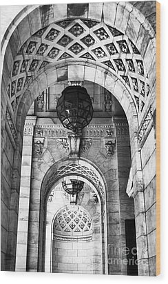 Archways At The Library Bw Wood Print by John Rizzuto