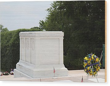 Arlington National Cemetery - Tomb Of The Unknown Soldier - 01136 Wood Print by DC Photographer