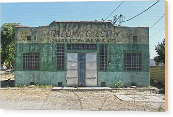 Arrow Creamery - Chino Ca Wood Print by Gregory Dyer