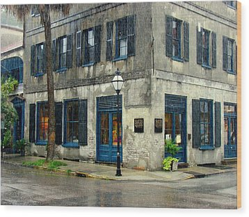 Wood Print featuring the photograph Art Gallery In The Rain by Rodney Lee Williams