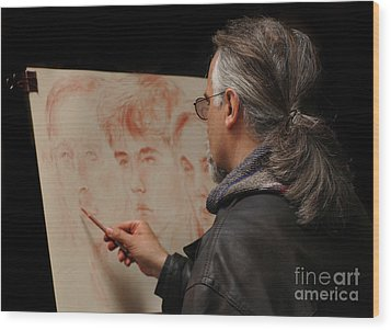 Artist At Work Florence Italy Wood Print by Bob Christopher