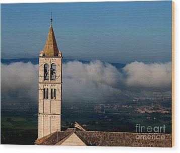 Wood Print featuring the photograph Assisi - 4 by Theresa Ramos-DuVon