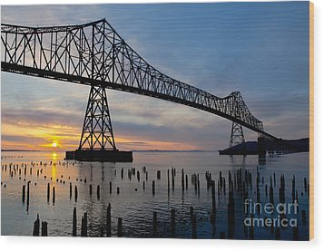 Astoria Bridge Sunset Wood Print