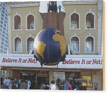 Atlantic City - Ripleys Believe It Or Not - 12129 Wood Print by DC Photographer