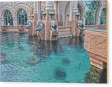 Atlantis Resort In The Bahamas Wood Print