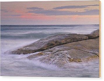 Attack The Waves Wood Print by Guido Montanes Castillo