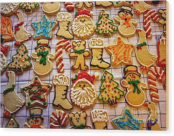 Aunt Tc's Christmas Cookies Wood Print by Mitch Shindelbower