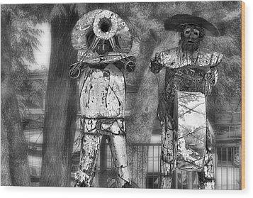 Austin Musical Duo 2 Wood Print by Linda Phelps