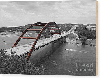 Austin Texas Pennybacker 360 Bridge Color Splash Black And White Wood Print by Shawn O'Brien