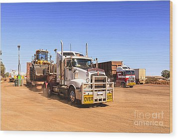 Australian Outback Truck Stop Wood Print by Colin and Linda McKie