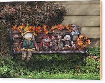Autumn - Family Reunion Wood Print by Mike Savad