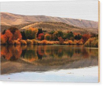 Autumn Glow On The Yakima River Wood Print by Carol Groenen