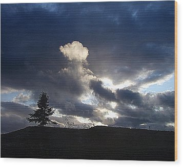 Autumn Sky On Cape Smokey Wood Print by George Cousins