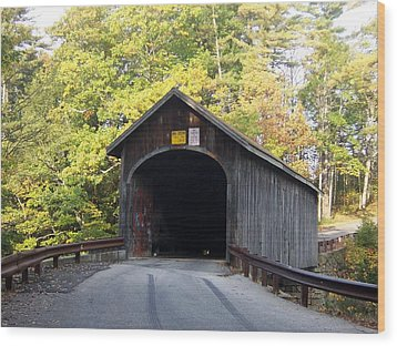 Babbs Covered Bridge Wood Print by Catherine Gagne