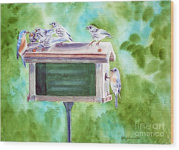 Baby Blues - Eastern Bluebird Family Wood Print by Kathryn Duncan