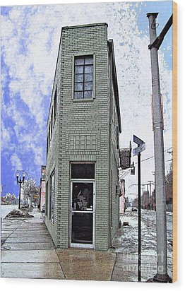 Baby Flatiron In River Rouge Wood Print by MJ Olsen