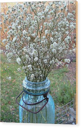Baby's Breath Bouquet Wood Print by Sandra Estes