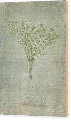 Baby's Breath Wood Print