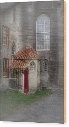 Back Door To The Castle Wood Print by Susan Candelario