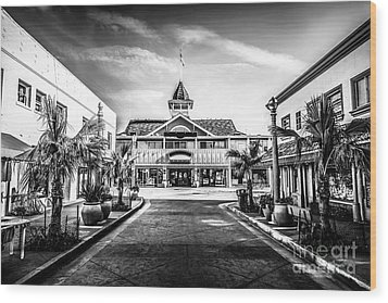 Balboa Pavilion Newport Beach Black And White Picture Wood Print by Paul Velgos