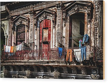 Balcony In Old Havana  Wood Print