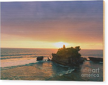 Bali Tanah Lot Temple At Sunset Wood Print by Fototrav Print