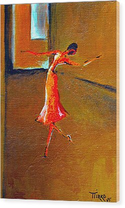 Ballet Solitaire Wood Print by Mirko Gallery
