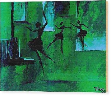 Ballet Vert Wood Print by Mirko Gallery