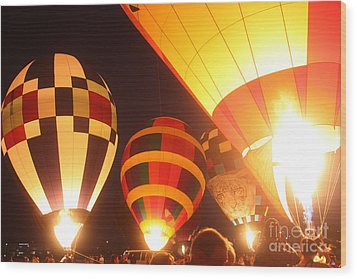 Balloon-glow-7950 Wood Print by Gary Gingrich Galleries