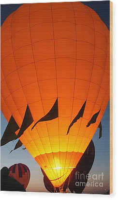 Balloon-glowyellow-7689 Wood Print by Gary Gingrich Galleries