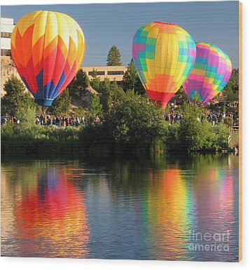 Balloons Over Bend Oregon Wood Print by Kevin Desrosiers