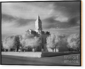 Bandera County Courthouse Wood Print