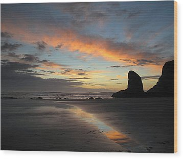 Wood Print featuring the photograph Bandon Beach Beauty by Suzy Piatt