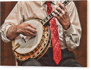 Banjo In Arms Wood Print by Linda Phelps