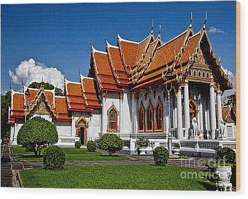 Wood Print featuring the photograph Bankok Wat by Shirley Mangini
