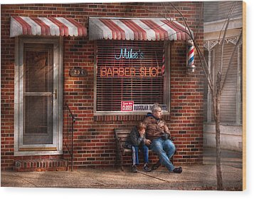 Barber - Metuchen Nj - Waiting For Mike Wood Print by Mike Savad