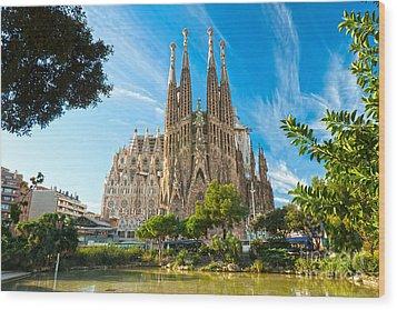 Barcelona - La Sagrada Familia Wood Print by Luciano Mortula