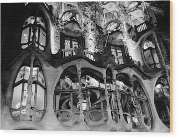 Barcelona - Casa Batllo Wood Print by Andrea Mazzocchetti