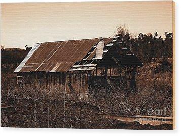 Barn Free Wood Print by R McLellan
