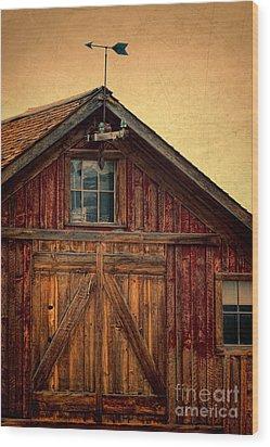 Barn With Weathervane Wood Print by Jill Battaglia