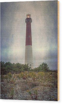Barnegat Lighthouse Dawn Wood Print by Joan Carroll
