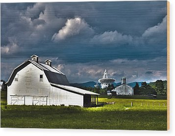 Barns And Radio Telescopes Wood Print