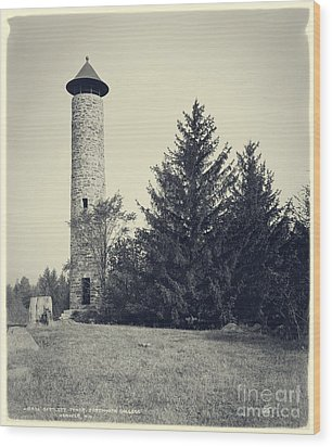 Bartlett Tower Dartmouth College Hanover Nh Wood Print by Edward Fielding