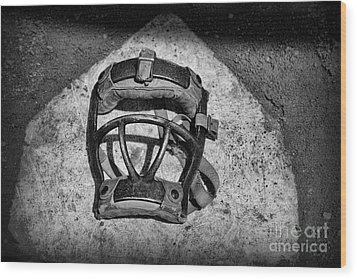 Baseball Catchers Mask Vintage In Black And White Wood Print by Paul Ward