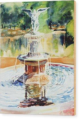 Bathesda Fountain Wood Print by Mark Lunde
